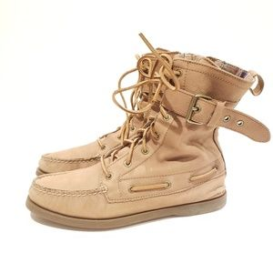{Sperry Top-Sider} Tan Boat Shoe Boots size 8m